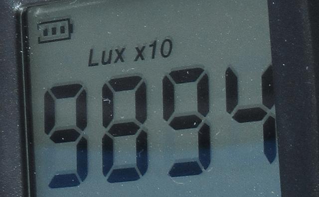 投光器のLux10倍