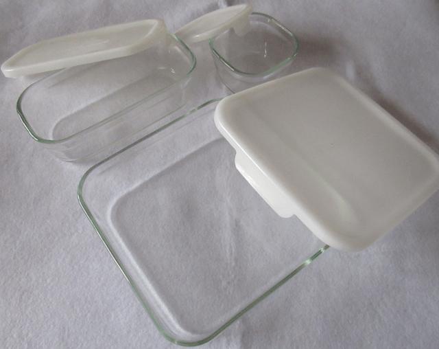 ふたを開けた状態のiwaki(イワキ) 耐熱ガラス 保存容器
