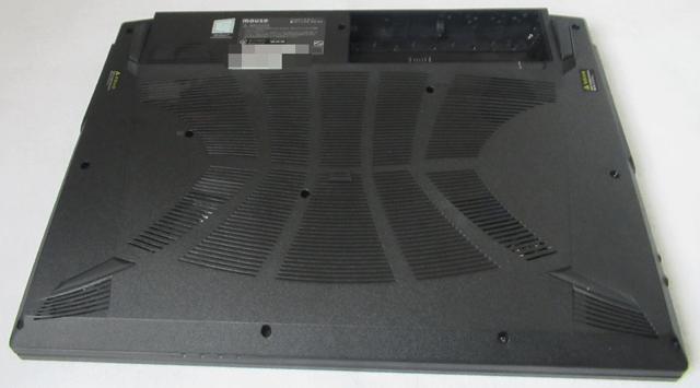 ノートパソコンの裏側