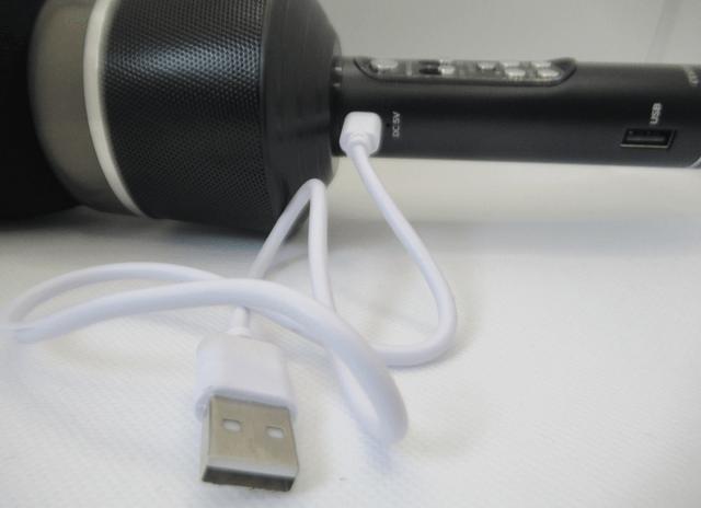 カラオケマイクのUSB充電