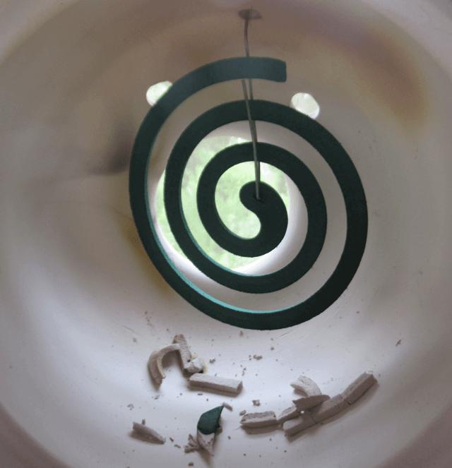 使用後の蚊遣り器